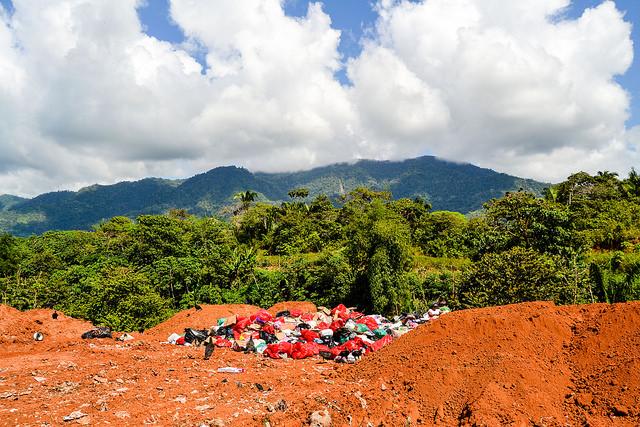 Landfill south of Palmar Norte, December 2015